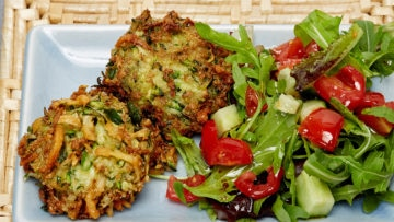 Keto Courgette and Feta Croquettes with Salad Recipe